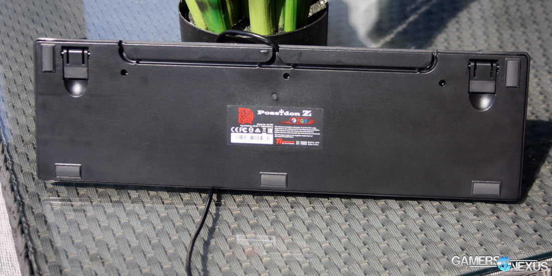Tear-Down & Review of Tt eSports Poseidon Z RGB Mechanical Keyboard