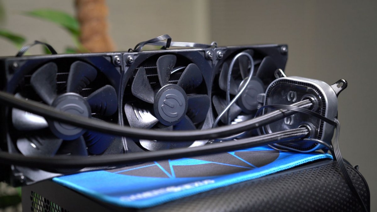 EVGA CLC 360 Liquid Cooler Review: Noise-Normalized Thermals & More